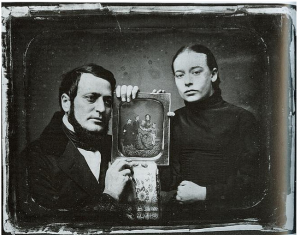 Daguerrotype-of-Couple-Holding-Daguerrotype-Unknown-Artist-1850